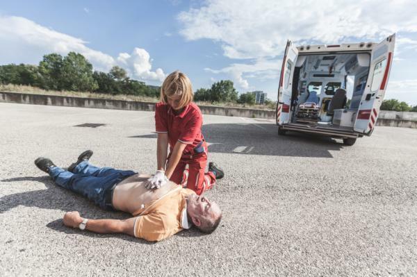 sintomas de infarto ambulancias granada